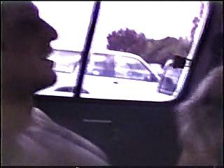 rubia follada en un coche fuera