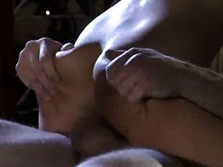 follando en la mesa de masaje