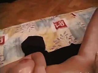 milf enorme pecho se muestra para la cámara 5