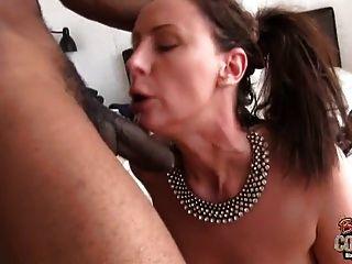 madura esposa lara follada por stud negro mientras mi marido