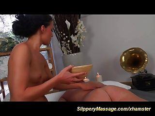 increíble masaje nuru resbaladizo