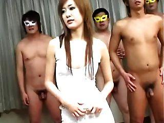 megumi ishikawa con hombres enmascarados 1 of 4 = fd1965 =