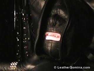 el cuero domina cuero fetiche esclavitud de cuero total