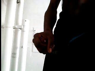 2 niggas jerking en público