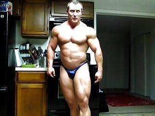 str8 bodybuilder flexión masiva