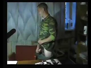 soldados rusos sacudiendo 3