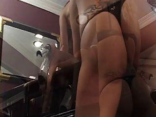 trampy lesbianas puta obtener travieso con consolador en el piano