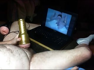 sacudiendo con el hermano fleshlight
