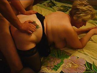 amigo folla madura esposa gorda delante de su marido cornudo