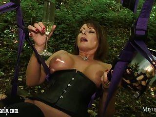 caliente señora ordena cuckold esclavo ver su cogida polla grande