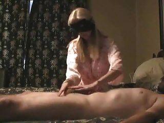 masaje de próstata de pareja madura con enorme cum