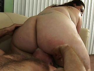 viejo y joven Angelina chubby follando por el viejo hombre