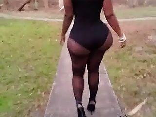 esto es un botín amazona caminando