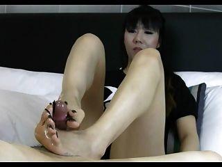 pie asiático largo pie toenail