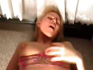 sexo anal con un milf en la cocina con creampie final