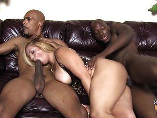 madre bbw madura folla a dos jóvenes negros