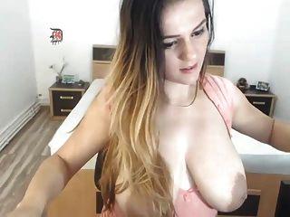 areolas grandes en la webcam