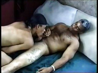 papá negro y su hijo