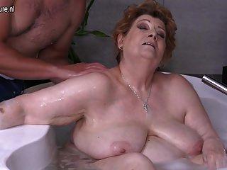 maduro bbw mamá follando hijo en el baño