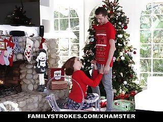 familystrokes follando a mi sis durante las vacaciones de Navidad pics