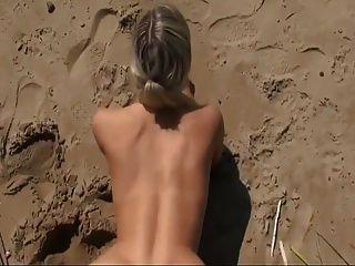 sexo caliente en la playa