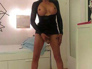 shemale aficionado alemán se masturba en la leva