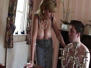 british milf teases jovencito con sus tetas