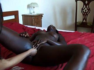 nuestra esposa africana con su esposa