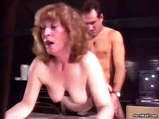 abuelita obtiene atornillado duro en el culo