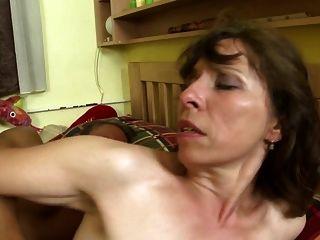 historias de casas sucias con madres maduras