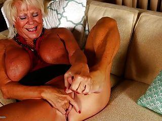 viejas abuelas kinky sucias con twats mojado
