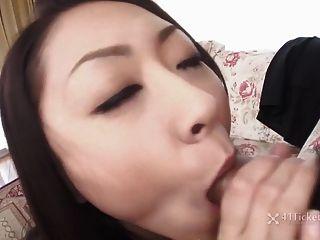 busty japanese ruri hayami chupa polla (jav sin censura)