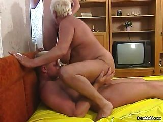 puta de tres con la abuelita rechoncha
