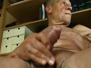 cum abuelo en la cámara y el sabor de su semen