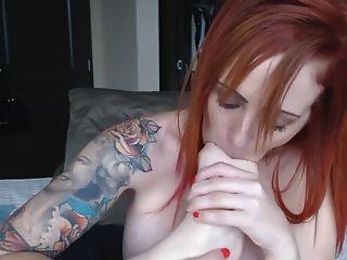masturbación anal pelirroja y chuparse los dedos de los pies