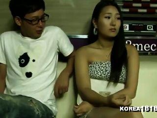 korea1818.com chica de la piscina sexy