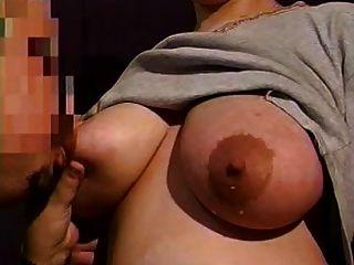mama enormes tetas lactantes necesitan alivio 13