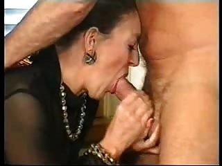 abuelita francesa y caballero alemán (quién es esta señora)?