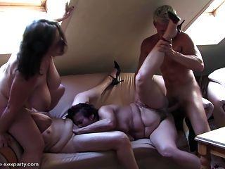 fiesta de sexo amateur privado con madres maduras