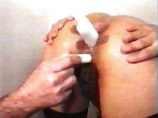 fistfuck y candels en culo womans en la oficina del doctor