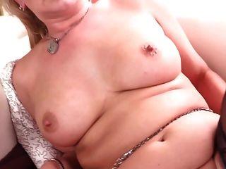 sexy amateur madre madura necesita una buena mierda