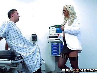 sorprendente rubia brooke marca obtener pleasured por su paciente