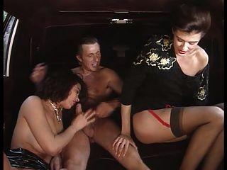 una pornodiva con yo tacchi a spillo (1994) angelica bella