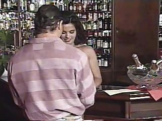 escena de sexo en grupo desde el trabajo de bar (1995) con angelica bella