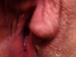 coño cumming chorreando húmedo contraído orgasmo caliente