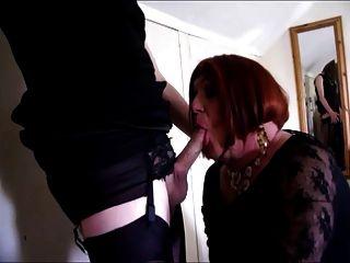 dos travestis con besos