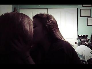 amateur chicas asiáticas besos lesbianas