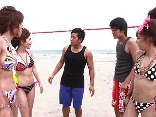 cuatro chicas japonesas de voleibol en orgía salvaje (jav sin censura)