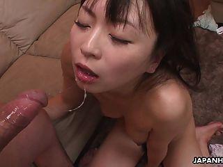 Esposa tramposa consiguiendo su coño mojado jodido