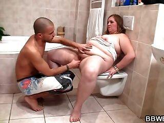 chico cachonda folla tórrida en el baño